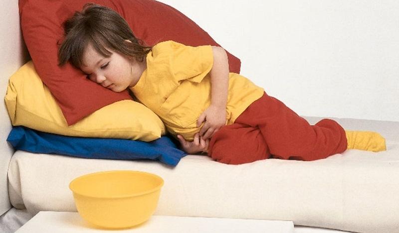 Что делать при отравлении пищей у ребенка